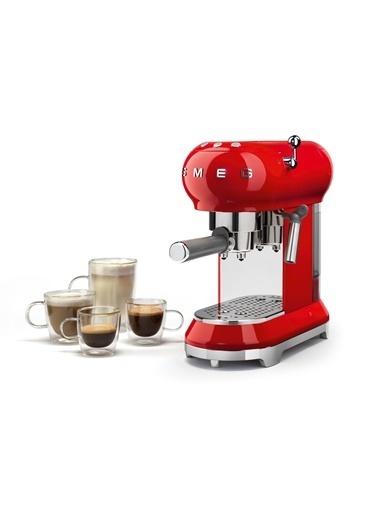 Smeg Kırmızı Kahve Makinesi Kırmızı